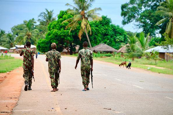 201902africa_mozambique_insurgency_soliders